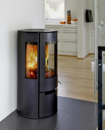 feuer flamme kamin fen kamin fen. Black Bedroom Furniture Sets. Home Design Ideas
