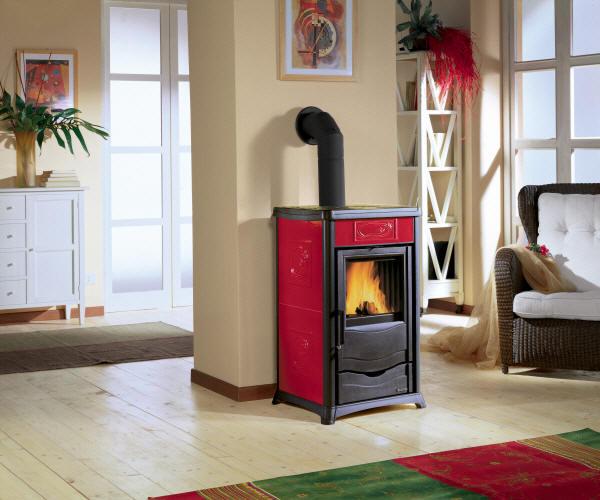 kaminofen rossella plus von la nordica feuer und flamme kamin fen. Black Bedroom Furniture Sets. Home Design Ideas
