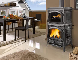 kaminofen isotta von la nordica feuer und flamme kamin fen. Black Bedroom Furniture Sets. Home Design Ideas